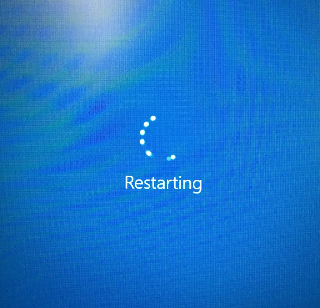 Windows PC blue restart screen
