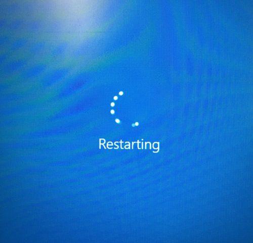 Windows PC blue restart screen